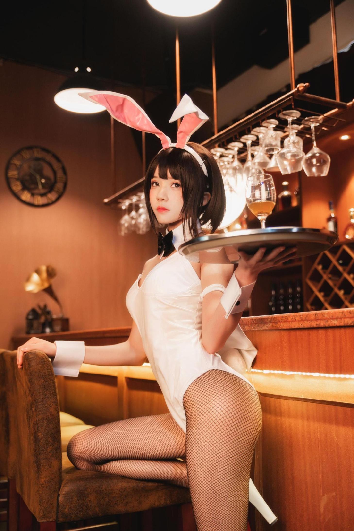 [网络美女] 桜桃喵 (加藤惠)兔女郎 高清写真套图