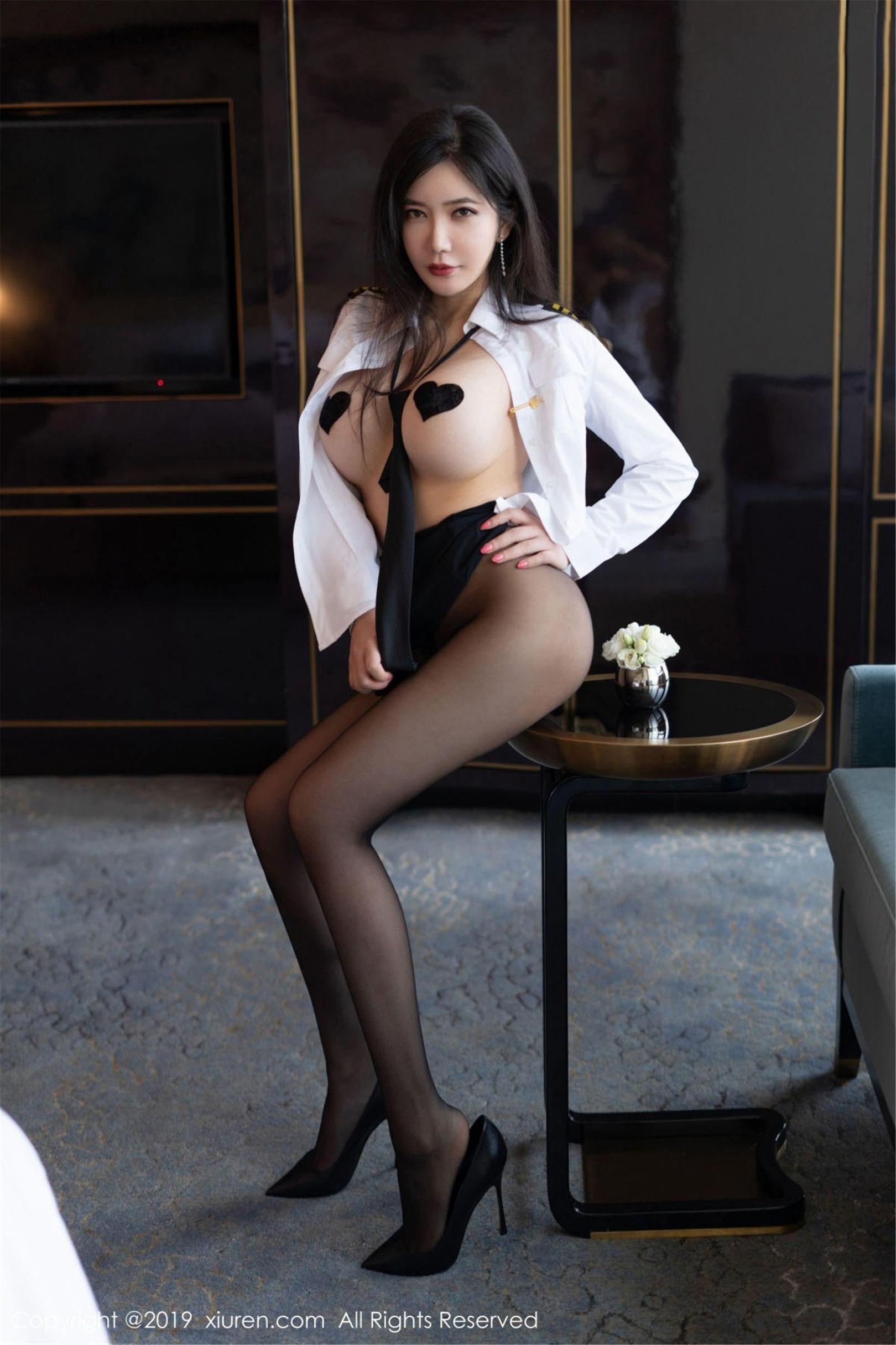 [尤果圈爱尤物] 李妍曦 白衬衫、黑丝袜 高清写真套图