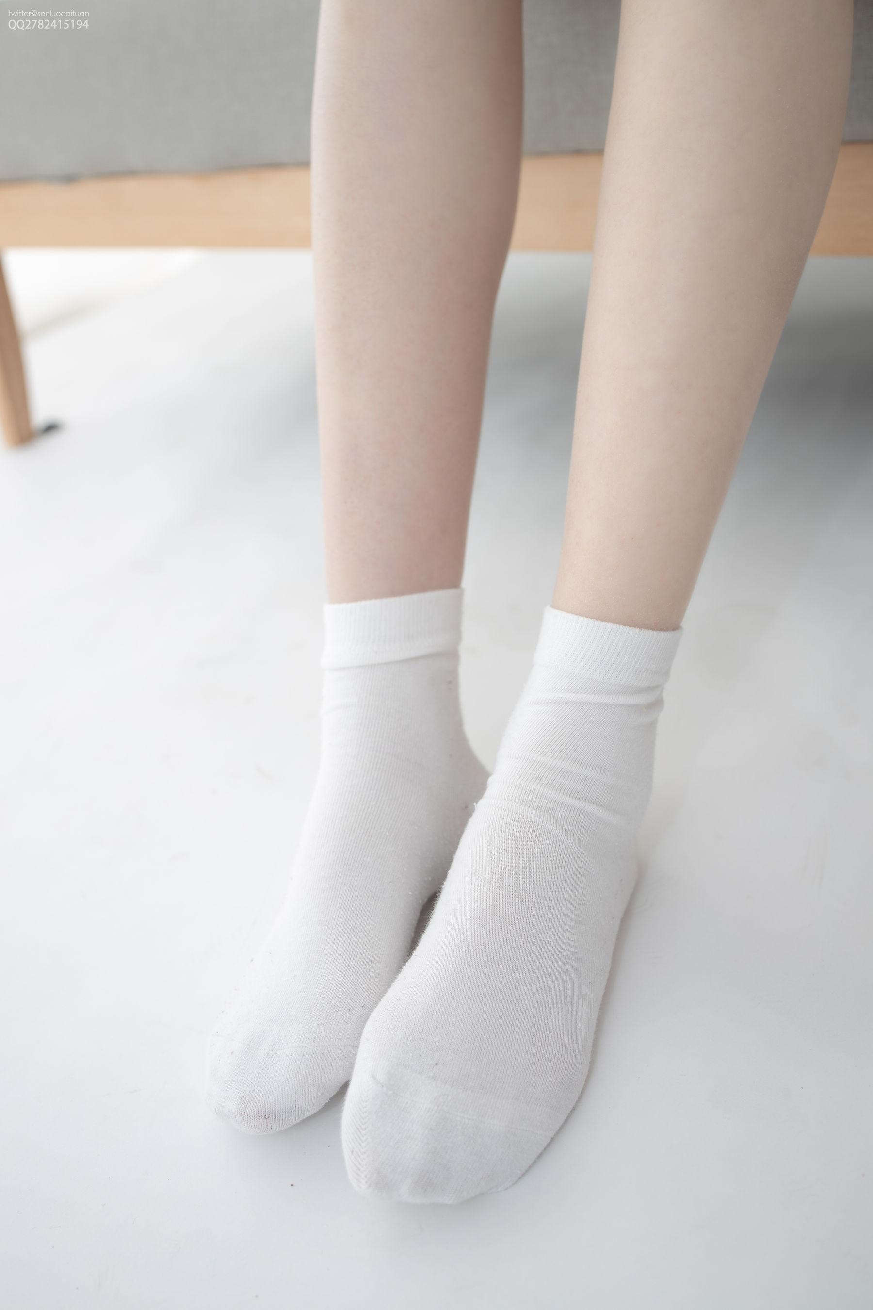 [网络美女] 网络美女 短棉袜 高清写真套图